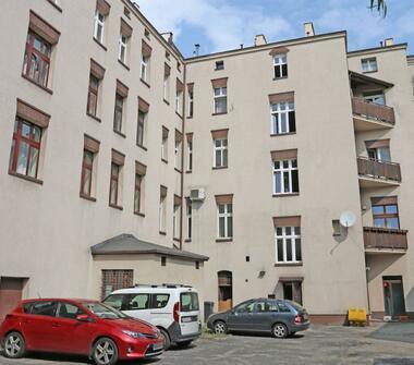 Przestronne mieszkanie w Katowicach w atrakcyjnej cenie, w odległości 700m od UE. Idealna inwe...