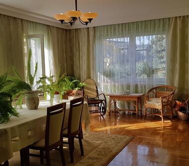 Atrakcyjny Dom z Potencjałem Przy Lesie i Jeziorze - Możliwa Zamiana na Mieszkanie