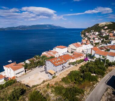 Ekskluzywna willa na południowym wybrzeżu Chorwacji z apartamentami pod wynajem i penthousem ...