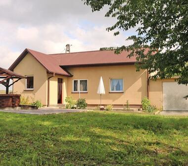 Dom w spokojnej okolicy, Bronów k. Działoszyc